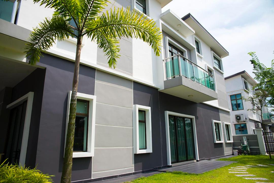 terrace house near bestari indah side view 20x70