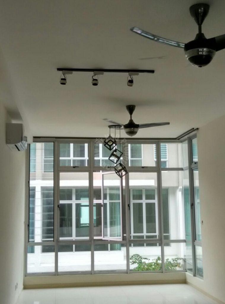 the seed town house 3 rooms duplex  residential apartment 1240 square foot builtup lease price rm 1,500 at jalan persisiran sutera danga 1 taman sutera utama skudai johor malaysia #711