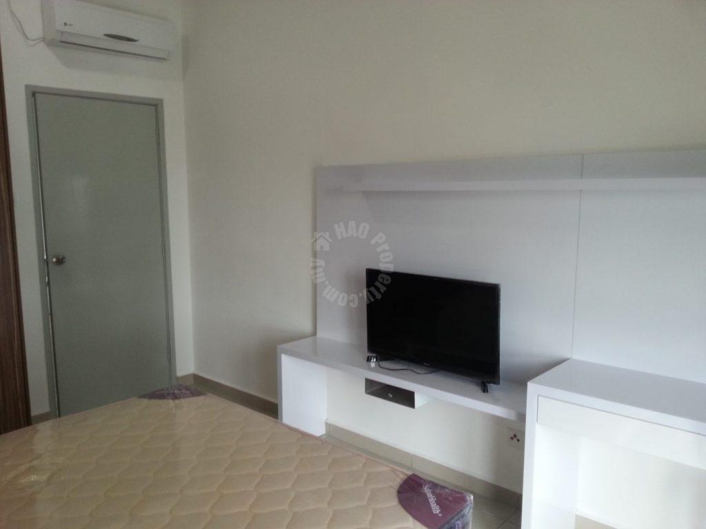 season luxury 1 rooms id apartment 685 square-foot builtup lease at rm 1,500 on jalan dato abdullah haji othman taman dato onn larkin johor bahru johor malaysia #524