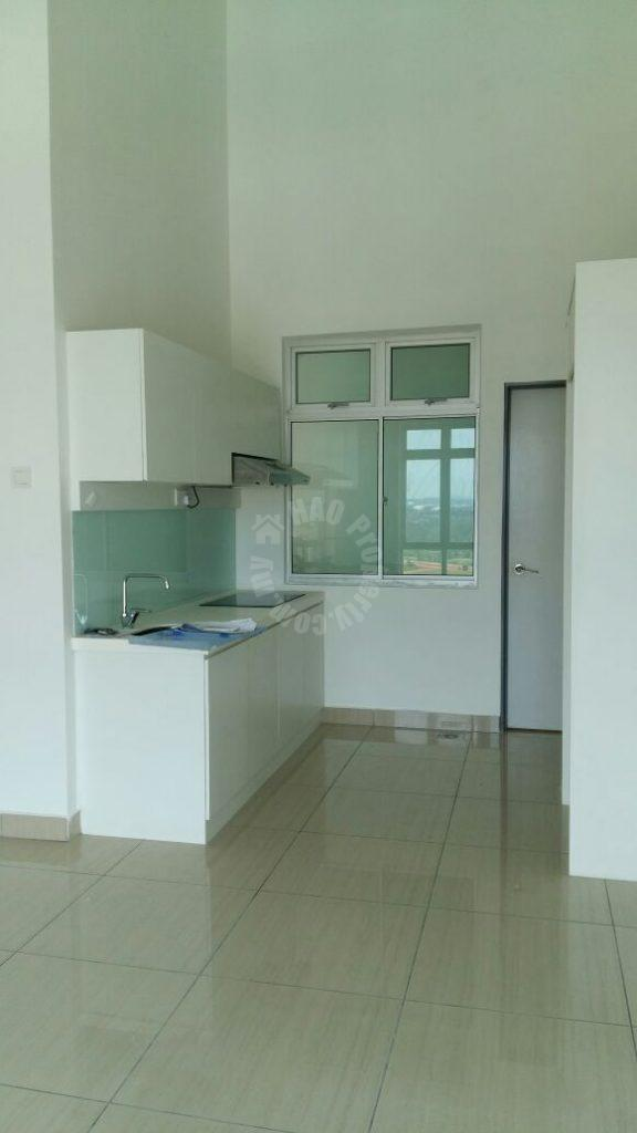 manhattan sovo soho 1 room  residential apartment 646 square-foot built-up lease from rm 1,600 on austin height 2 taman mount austin, johor bahru, johor #436