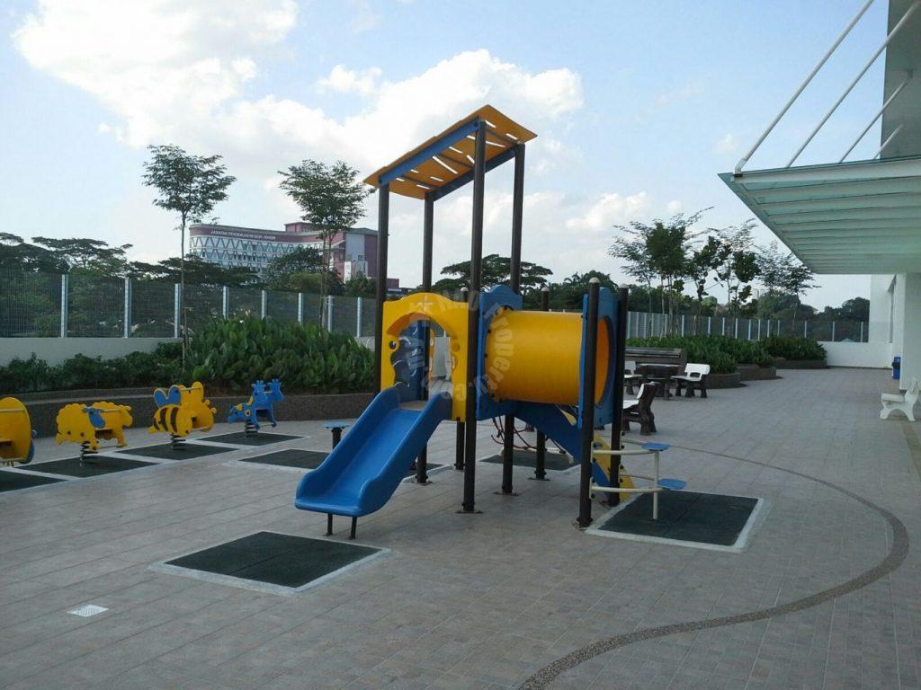 d'tasek residences 3 rooms  condo 1001 square-feet built-up rent at rm 1,600 on taman suria muafakat johor malaysia #738