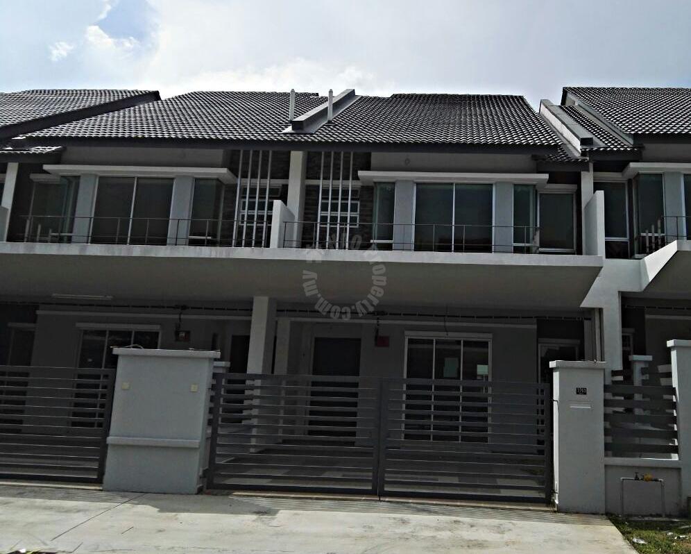 jalan cempaka bandar indahpura  2 storey terrace home 22x70 selling price rm 650,000 in jalan cempaka 36/x, bandar indahpura #1457