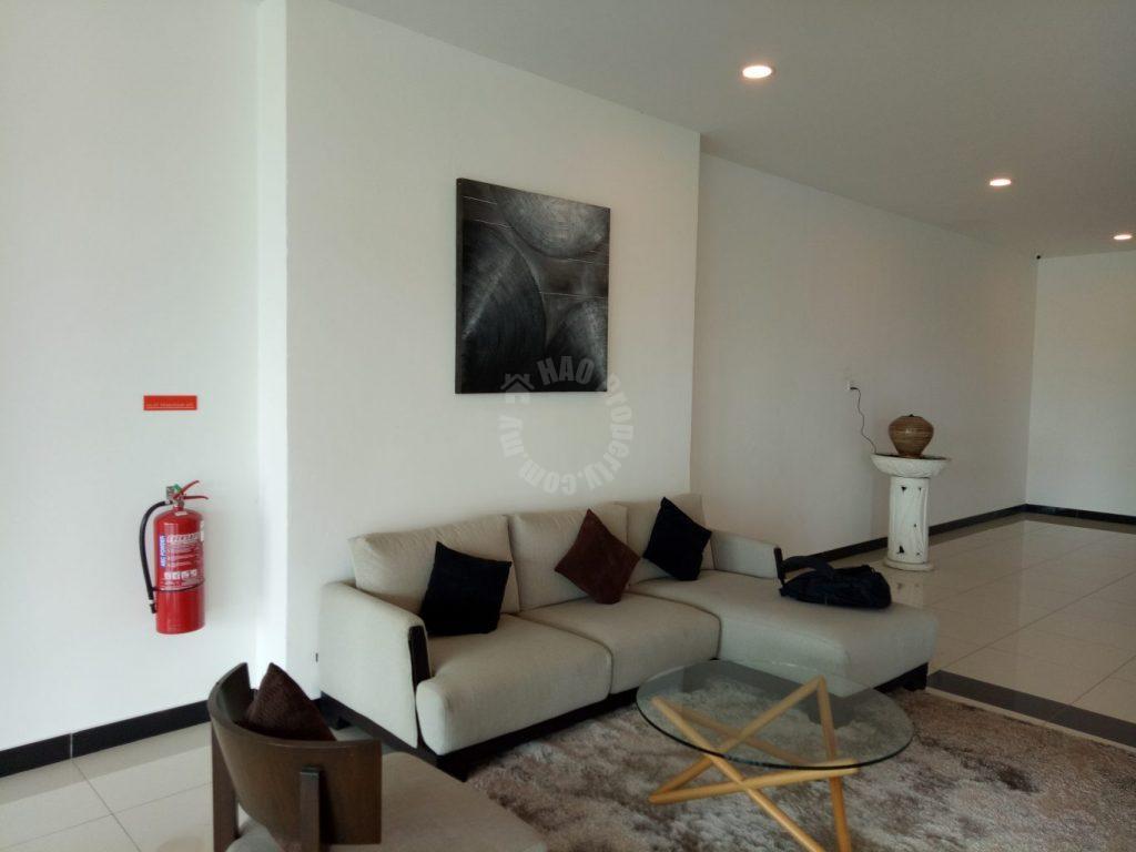 raffles suites  serviced apartment 700 square-foot built-up rent price rm 1,400 in persisiran sutera danga bandar uda utama johor bahru #1142