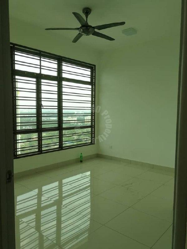 parc regency  condominium 810 square-foot built-up selling at rm 308,000 on jalan masai jaya #2492