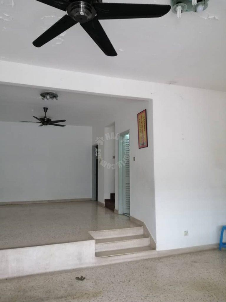 taman pelangi  2 storey terrace residence 1760 square feet builtup rent price rm 1,800 at jalan jingga x #2671