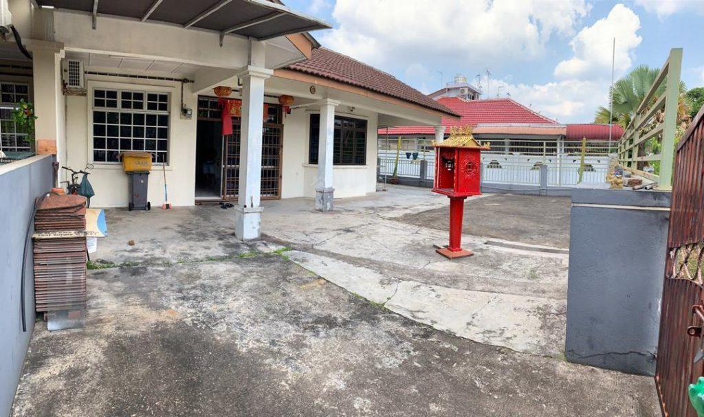 bukit indah corner 48×70 single storey terrace residence 3360 square-feet built-up sale at rm 600,000 on jalan indah 4/x #3061
