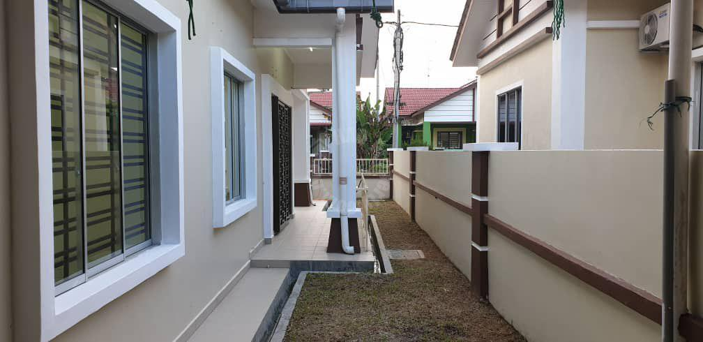 kota masai cluster house single storey bungalow house 2450 square-foot builtup selling at rm 440,000 at jalan rambai x #2102