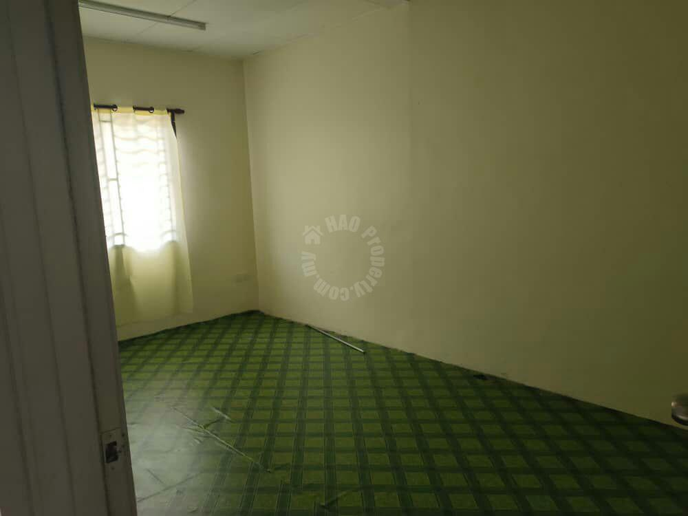 taman flora height masai  1 storey terrace home 1400 square foot built-up selling at rm 360,000 at jalan seroja x #2154