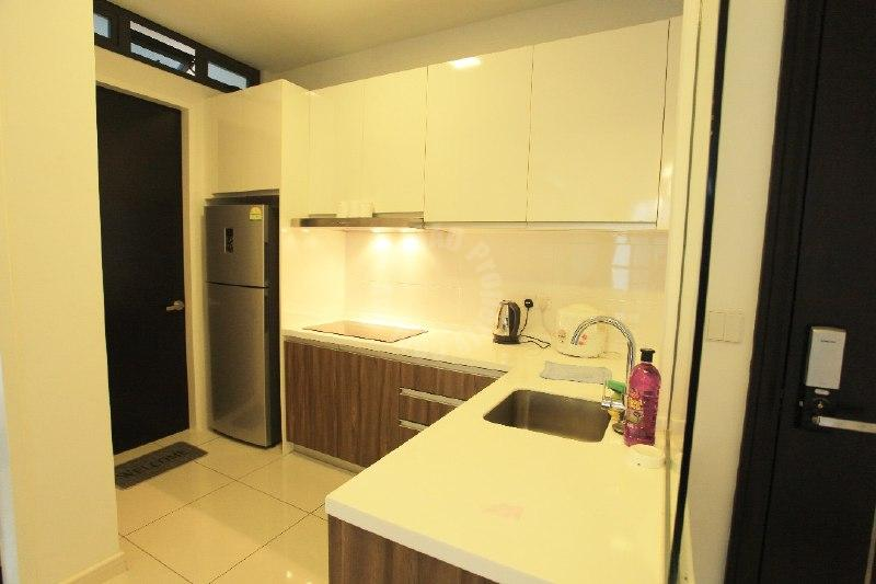 sky setia 88 2 room highrise 775 square feet built-up selling price rm 630,000 at jalan dato abdullah tahir #3366