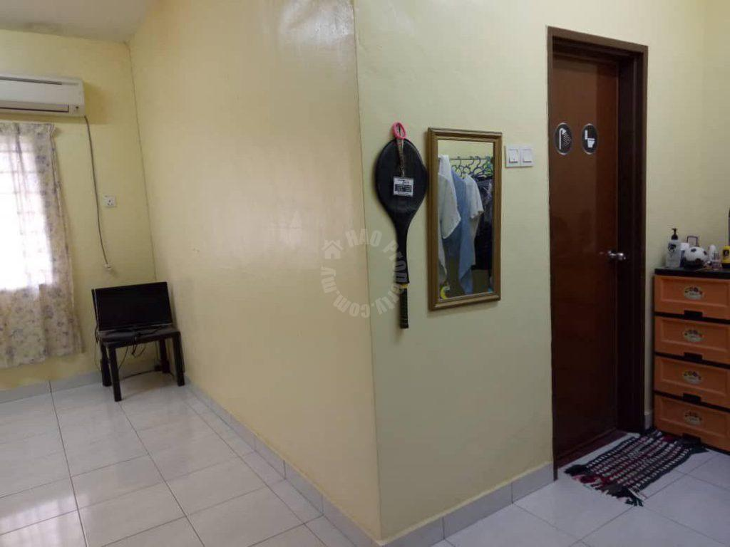 taman mount austin  2 storeys link house 1400 square-feet builtup sale price rm 480,000 #2052