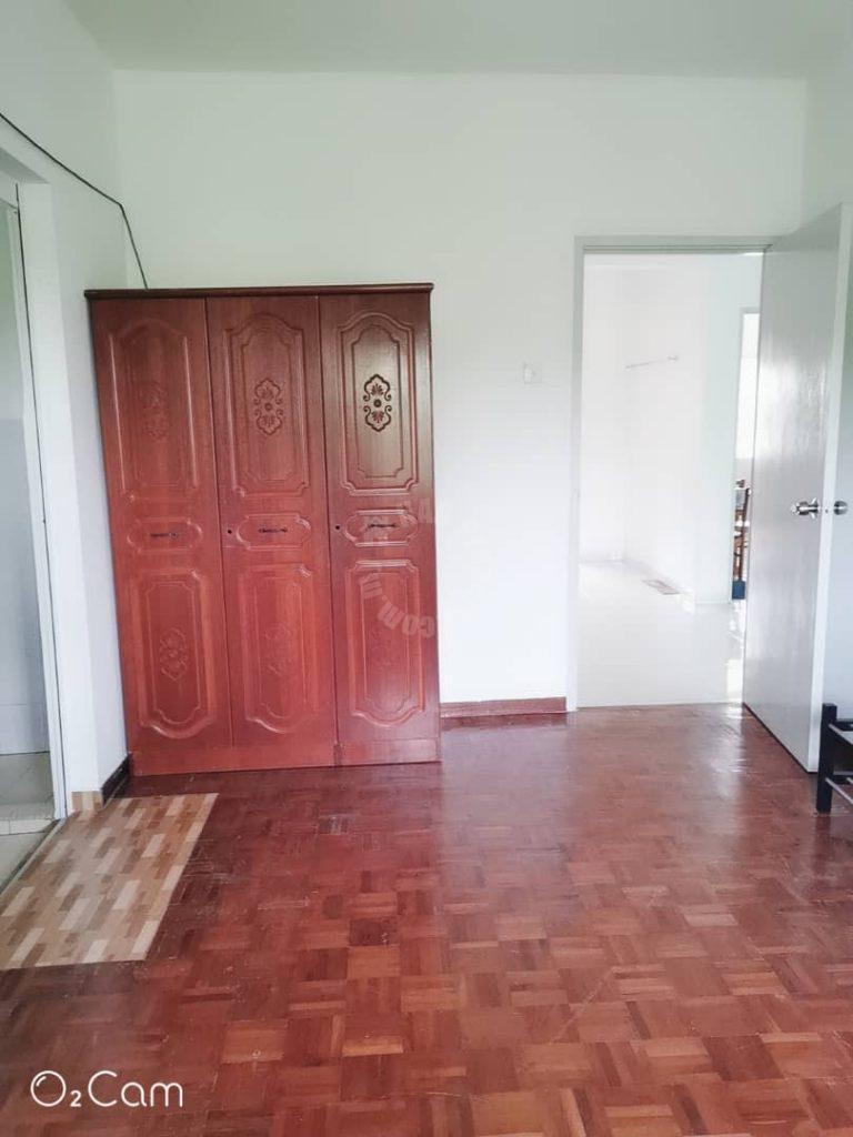 lily and jasmine  condominium 1000 square-feet built-up rent price rm 800 on jalan titiwangsa utama, taman tampoi indah, johor bahru #4293