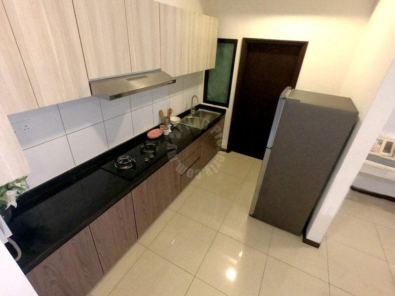 molek regency 2 room type b serviced apartment 1005 square-feet builtup sale price rm 620,000 on persiaran bumi hijau, taman molek, johor bahru #4069