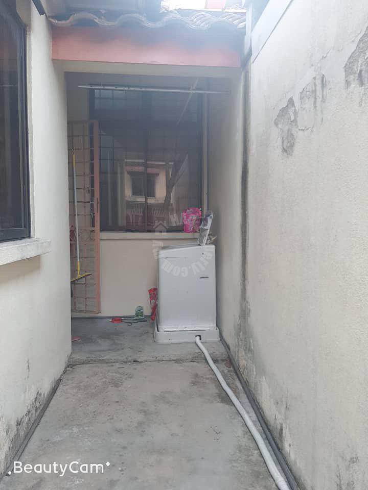 taman daya  1 storey terrace residence 1540 sq.ft built-up sale at rm 408,000 at jalan pinang x, taman daya, johor bahru, johor, malaysia #4640
