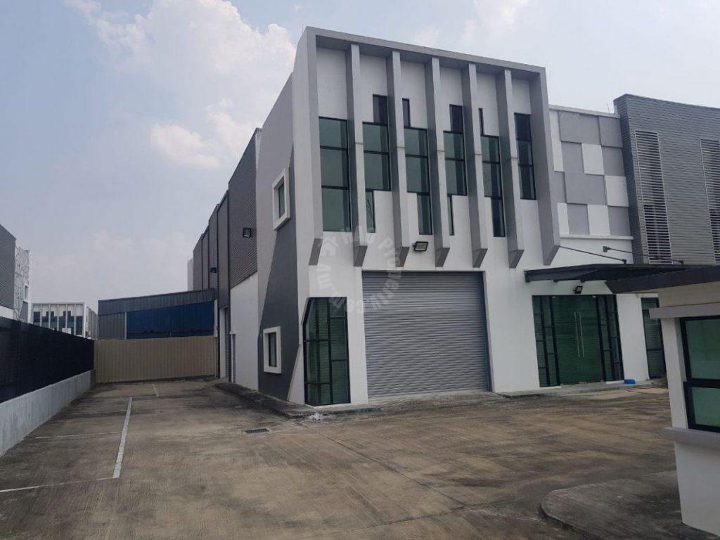 taman ekoperniagaan cluster  warehouse 8400 square-feet built-up lease from rm 4,800 in jalan ekoperniagaan 1/x, johor bahru, johor, malaysia #4697