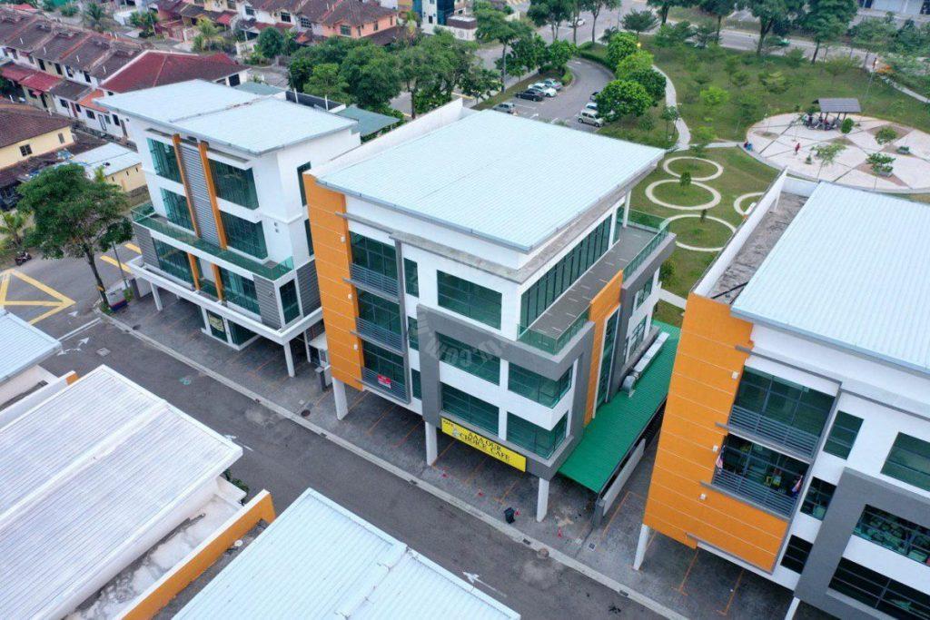 bungalow d tropik@kota puteri, masai four storey shop area rental from rm 10,000 on kota puteri, masai, johor, malaysia #4693