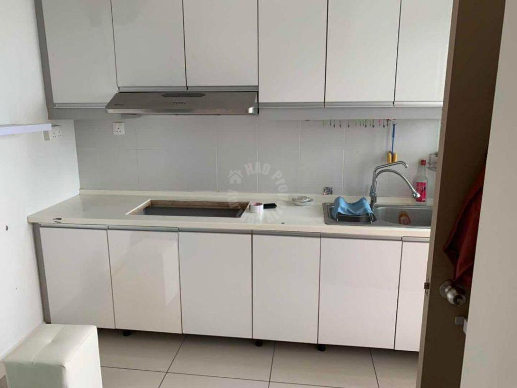 austin suite condominium 906 square feet builtup rent at rm 1,300 at jalan austin perdana 1 #5295
