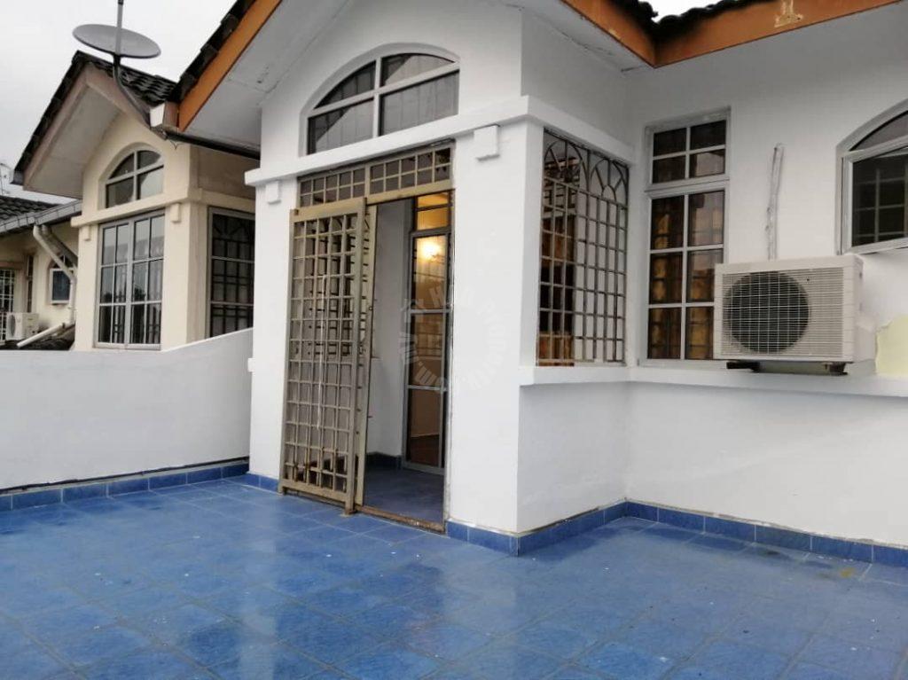 house 22×75 bukit indah double storey terrace residence 1800 square-foot builtup selling price rm 580,000 on jalan indah 19, bukit indah, johor bahru, johor, malaysia #5453