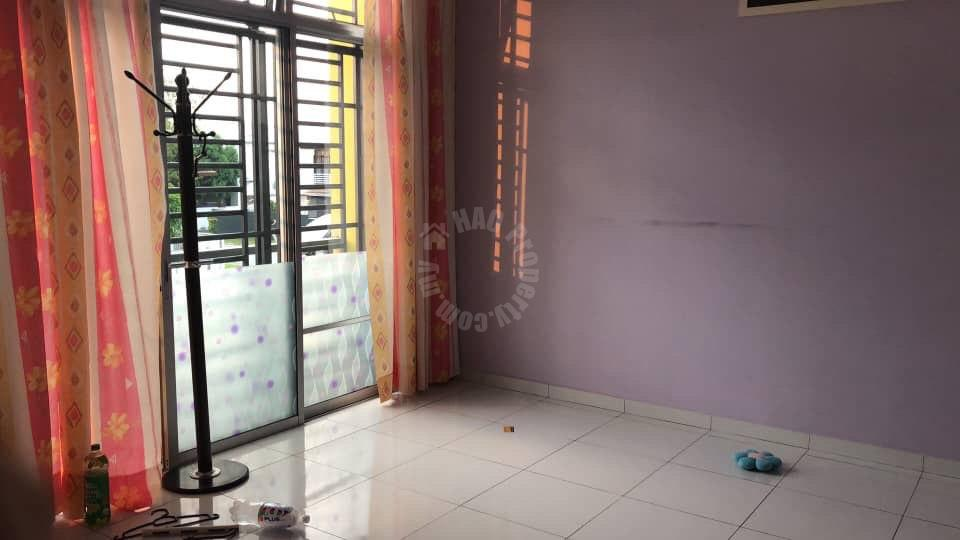 bukit indah terrace house double storeys link residence 1400 square foot built-up sale price rm 650,000 on bukit indah #6461