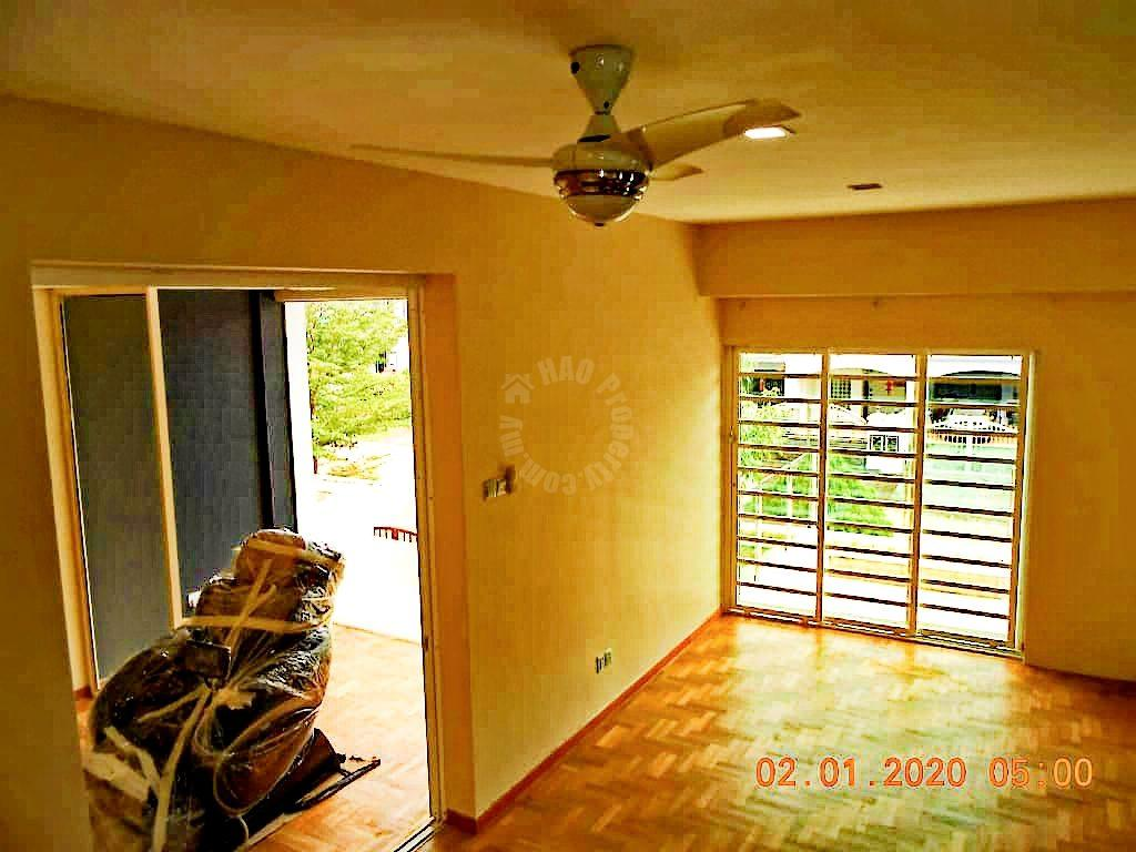 taman impian emas renovated unit double storey semi detached house 1580 square foot built-up 3450 sq.ft builtup sale price rm 1,250,000 on taman impian emas #6502