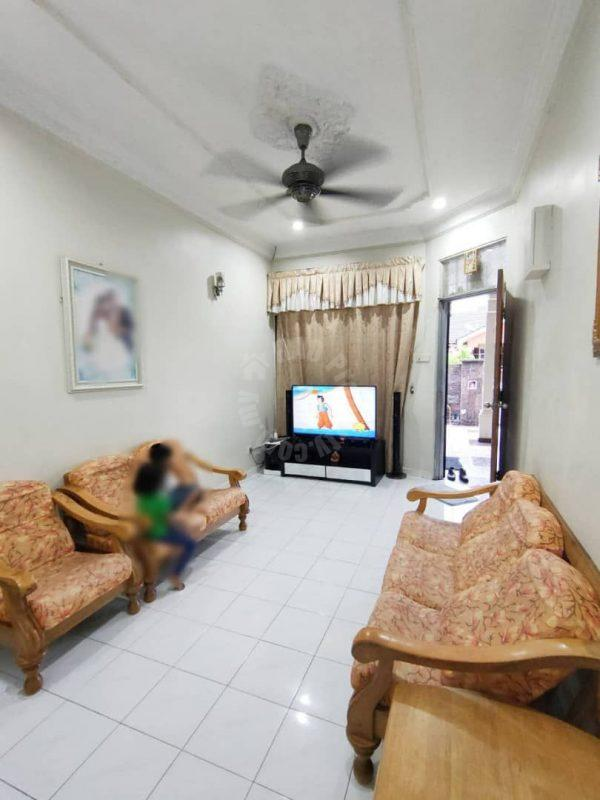 taman scientex , masai 1 storey link residence 1400 square-feet built-up selling at rm 298,000 in jalan kancil #7061