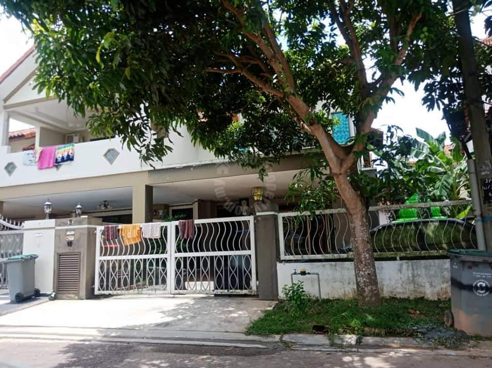 dato onn terrace house double storey terraced residence 2100 square-feet built-up auction rm 526,500 at dato onn #7686
